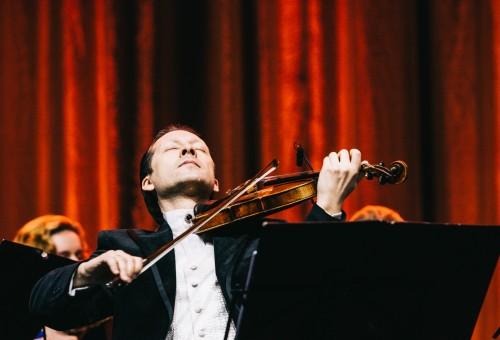"""Per V.Čepinskio koncertą """"Žalgirio"""" arenoje skambėjo aukščiausios prabos muzika"""